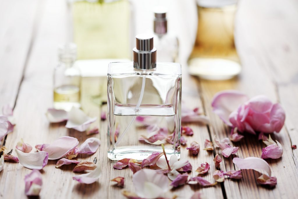 Air Company Starts Making Perfume From CO2 - Carbon Herald